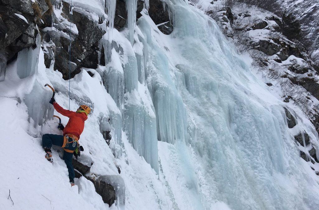 Water-ice climbing